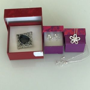 New Black and Silver Brooch and Flower Set